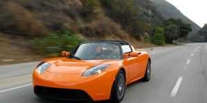 Tesla Roadster oranje 2 2 2